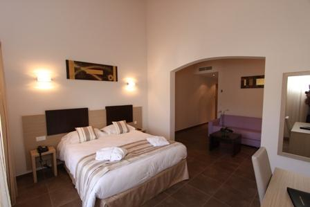 Hotel-bonifacio-amadonetta-corse-port.jpg