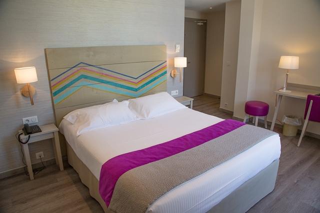Hotel-royaragon-bestwestern-bonifacio-famille.jpg