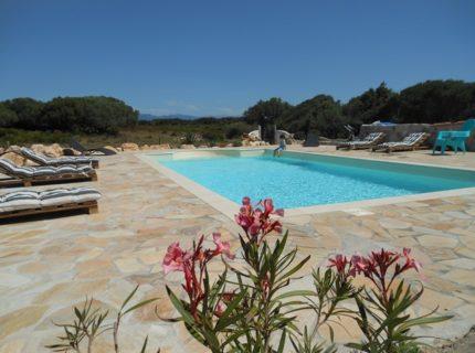 Locationmeublés-asuliata-piscine-bonifac-corse.jpg