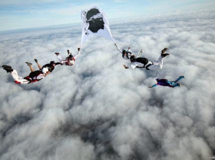 Parachutisme-corse-bonifacio-ciel.jpg