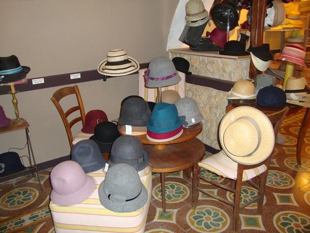 Shopping-chapothé-chapeaux-bonifacio-corse.jpg