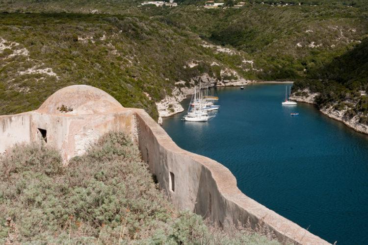 Cheminderonde, patrimoine, fortification, Bonifacio, Corse.jpg
