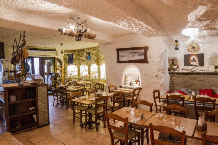 kissing-restaurant-port-corse-cuisine-Corsica.jpg