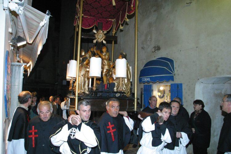 Procession-chasse-religion-Bonifacio