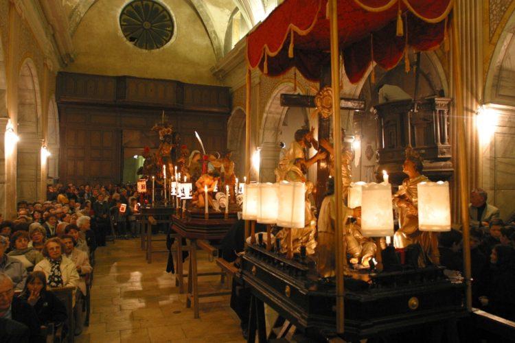 Procession-chasse-religion-Corsica-Bonifacio