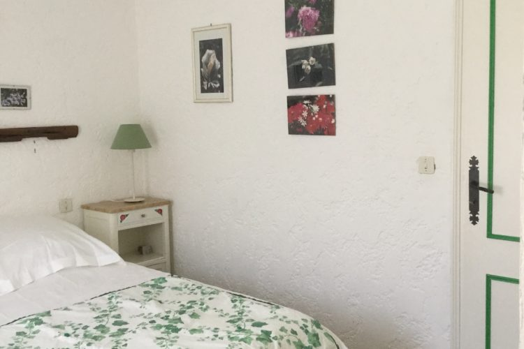 Location-piriottu-maison-Bonifacio-chambre-Corsica.jpg
